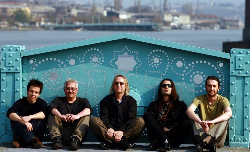 Photo of Bulutsuzluk Özlemi Yeni Bir Gün Şarkısı Yayınlandı